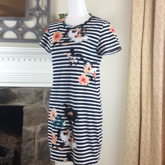 French Connection Dresses & Skirts - French Connection Striped Floral dress. Perfect 10